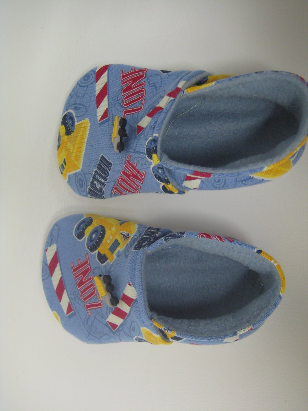 The L-T Experience: How To: Tawny Bee Kids Moccasins