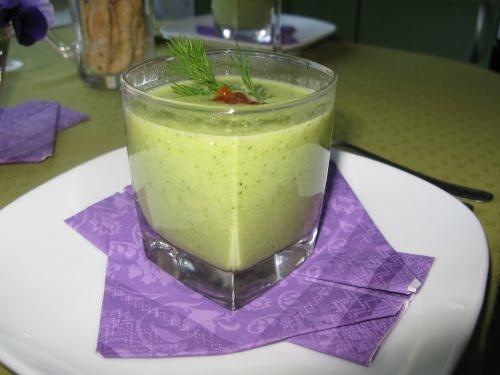Суп-пюре из брокколи с икрой  Ренате Киссель