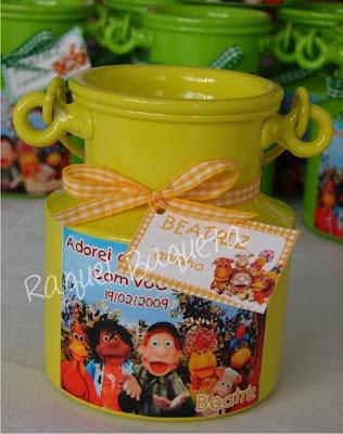 http://3.bp.blogspot.com/__HegqtNEcQU/Sbm5bHpXsPI/AAAAAAAAAjo/T66pkTk8-og/s400/leiteira_cocorico_colorida.jpg