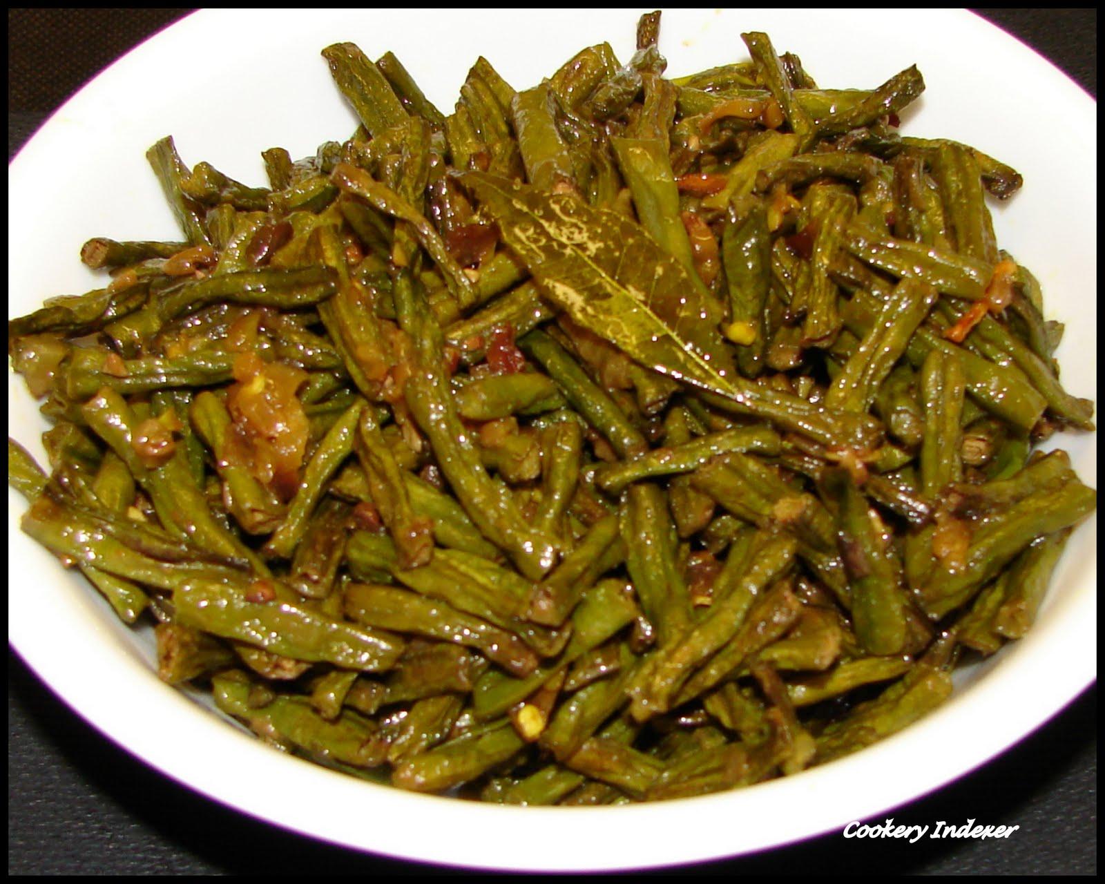 Regional indian cuisine blogroll payar mezhukkupuratti yard long payar mezhukkupuratti yard long beans stir fry forumfinder Choice Image