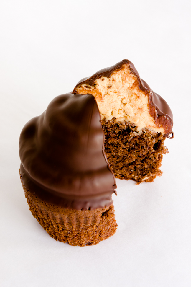 Chocolate Peanut Butter Hi-Hat Cupcakes for FilterPure – It's Time ...