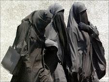 انا متضامن مع حقهم فى ارتداء ما يشاؤون