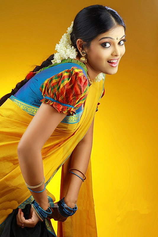 Vishnupriyahot malayalam new faceTV anchorcute snapssexy in saree outfithot exclusive gallery unseen pics