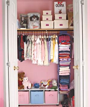 Organized Kids Closet | organizingmadefun.com
