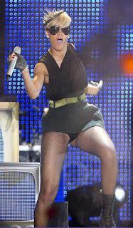 Rihanna-Dance-Tel-Aviv-4