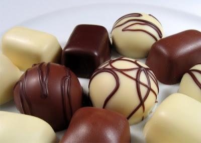 http://3.bp.blogspot.com/__LeIYb-apGs/SnAxIGuY1mI/AAAAAAAAAcc/i84eYrtvE5s/s400/bombons+finos.jpg