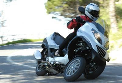 tre ruote,due ruote davanti,scooter tre ruote,mp3 tre ruote