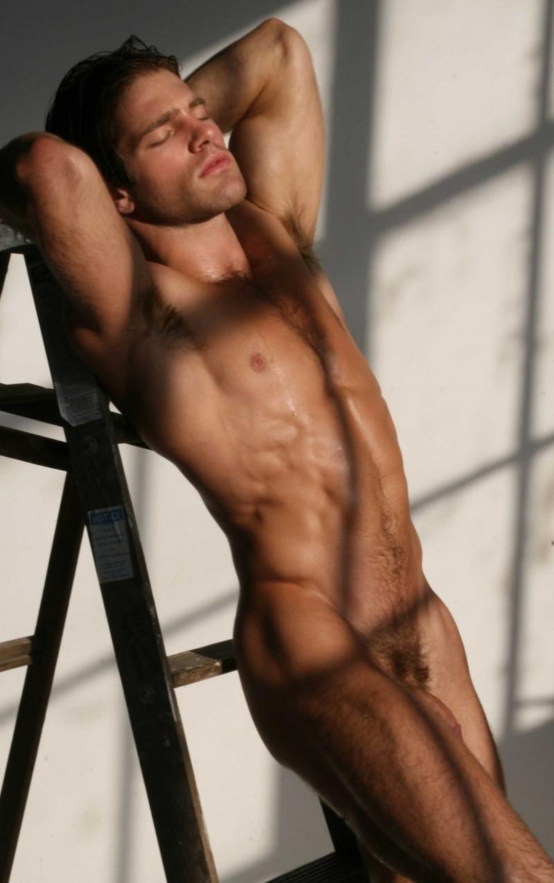 foto-golie-muzhchini-modeli