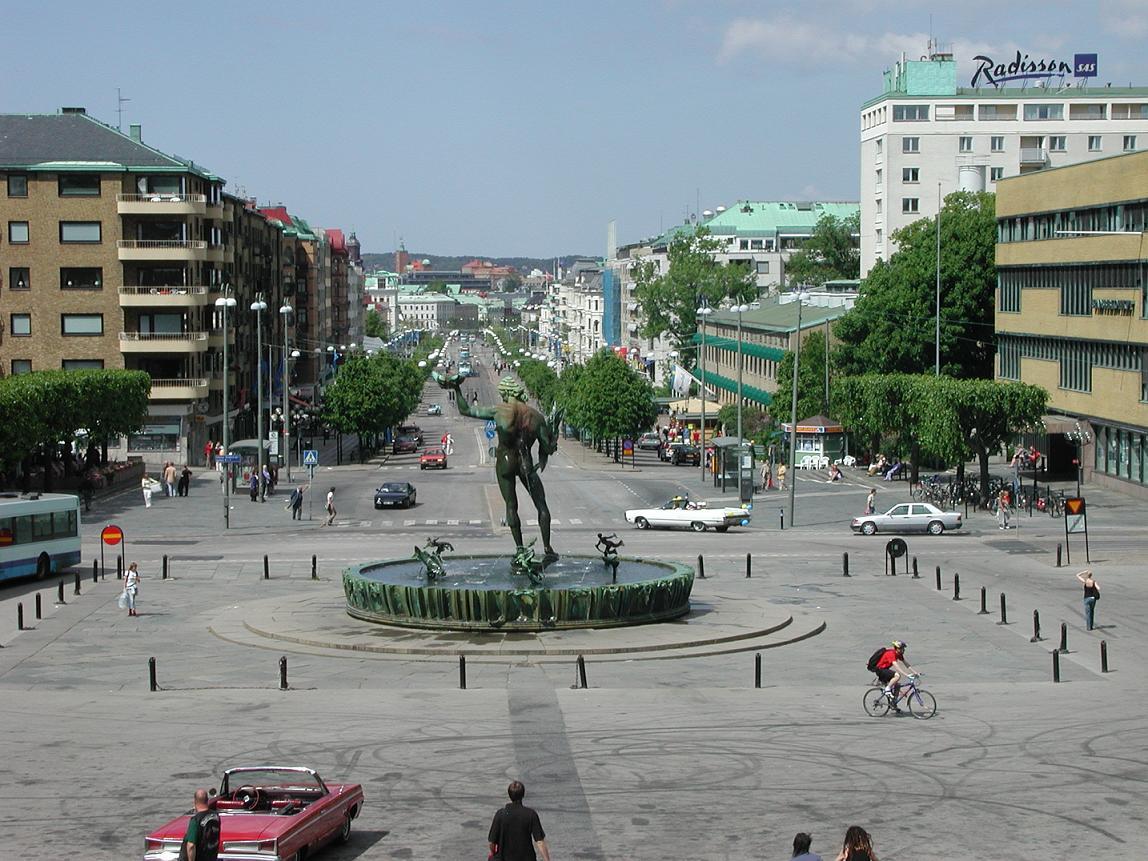 [Gothenburg+Sweden+view+of+square.jpg]