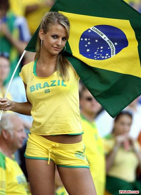 brazilian flag bikini. Brazilian Soccer Body Painting