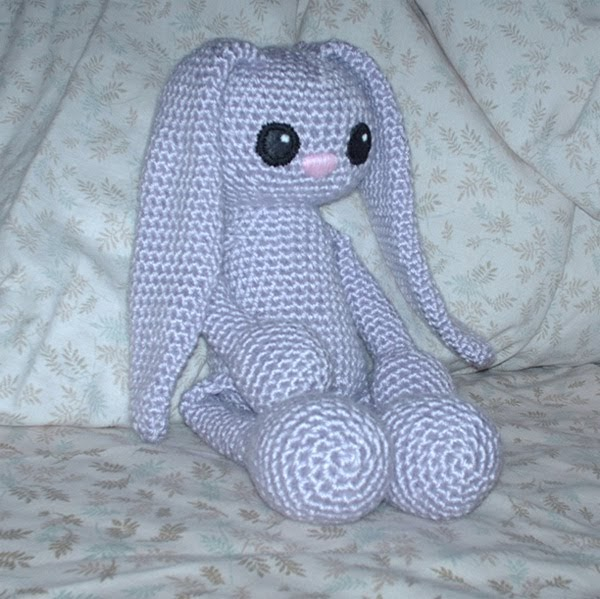 Free Crochet Pattern For A Rabbit : 2000 Free Amigurumi Patterns: Lavender Bunny