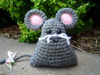 Amigurumi Mouse Pattern Crochet : Amigurumi mouse pattern « free knitting patterns