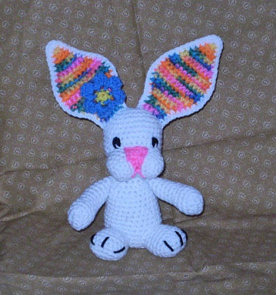 Free Crochet Pattern For Rabbit Ears : 2000 Free Amigurumi Patterns: Bunny with colorful ears