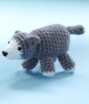 Crochet Amigurumi Wolf : 2000 Free Amigurumi Patterns: Little Amigurumi Wolf