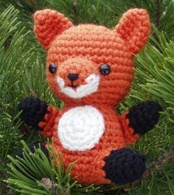 Amigurumi Strawberry Girl Free Pattern : 2000 Free Amigurumi Patterns: Little Fox