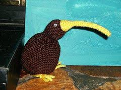 Amigurumi Kiwi Bird Pattern : 2000 Free Amigurumi Patterns: Kiwi bird