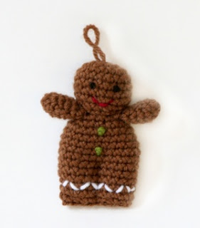 Gingerbread pattern; Gingerbread man Christmas ornament craft