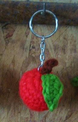 Free Knitting Pattern Keychain : 2000 Free Amigurumi Patterns: Apple Keychain