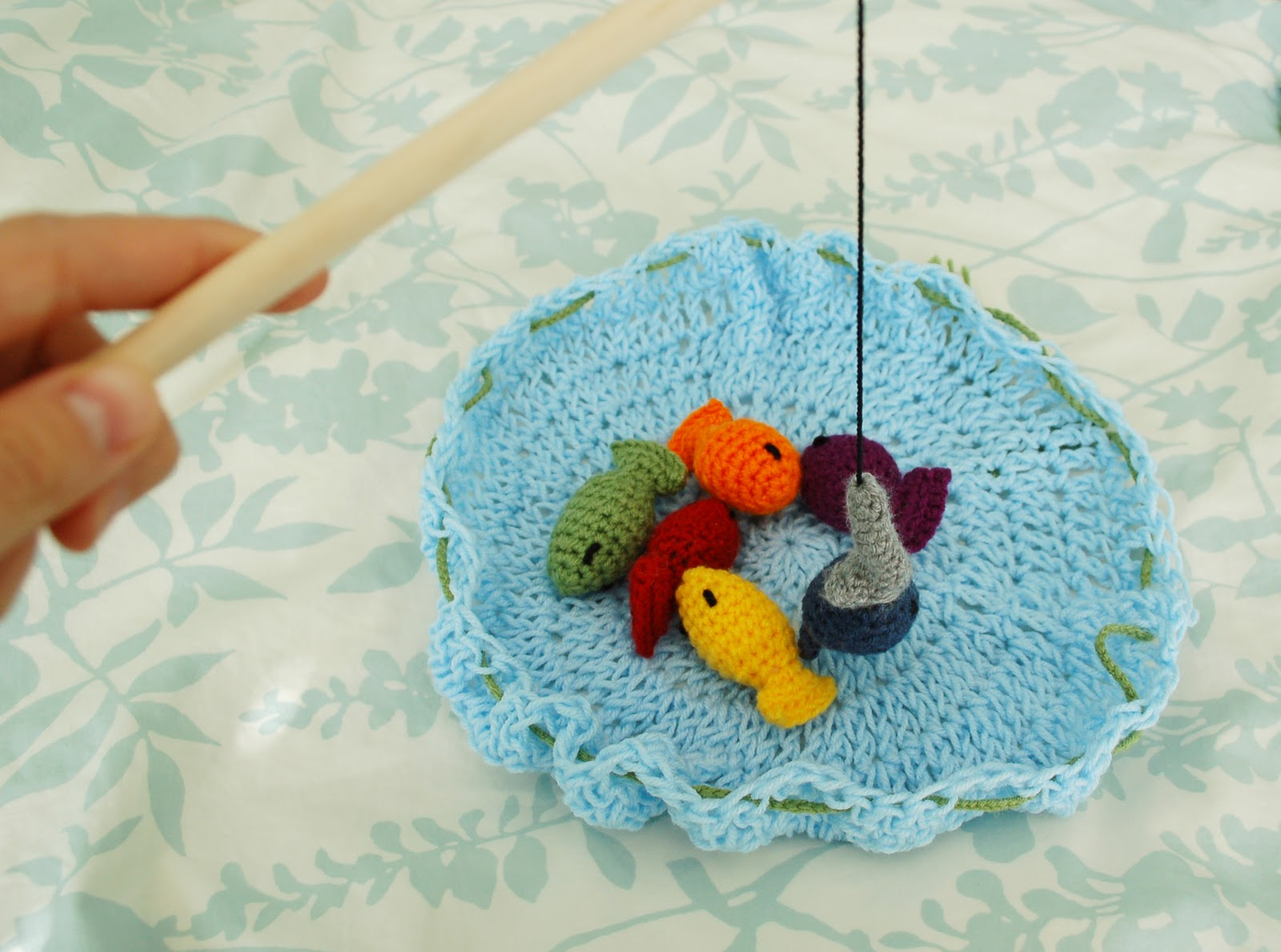 Free Crochet Patterns Games : 2000 Free Amigurumi Patterns: Fishing Game Toy