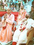 Srila Guru Maharaj e Mangala Swami