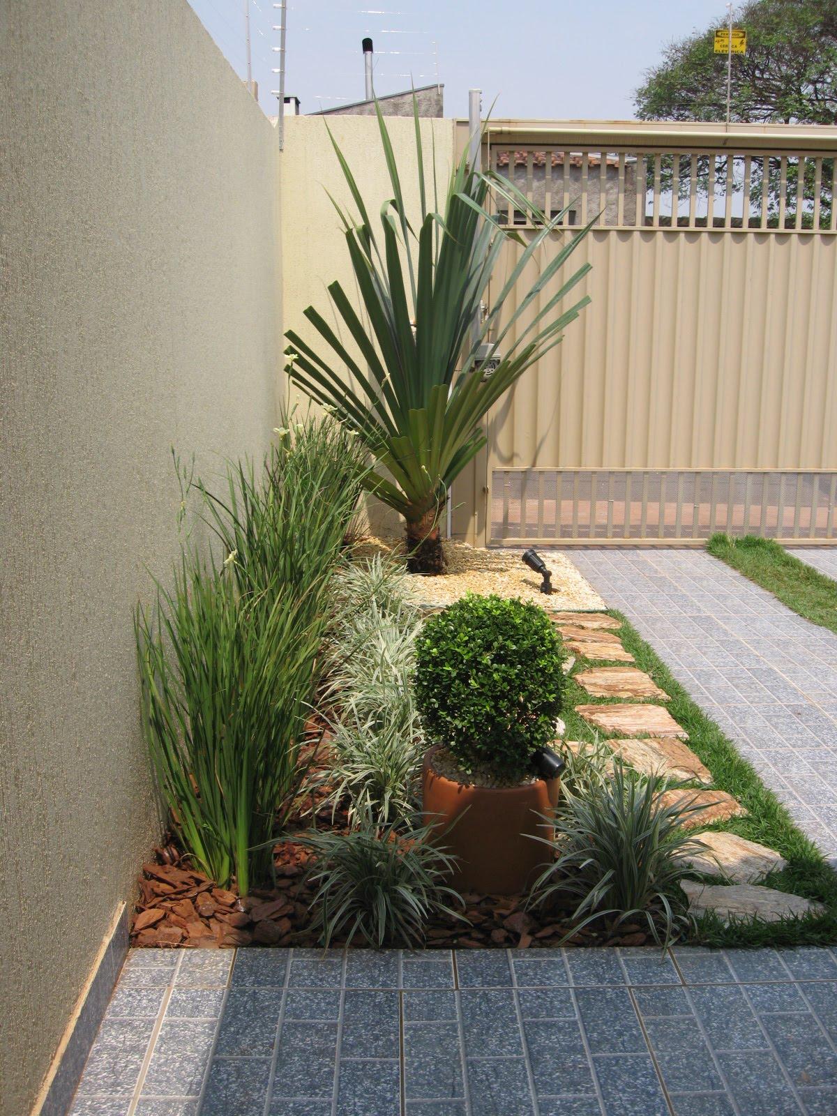 fotos jardins pequenos residenciais:Jardins De Grama
