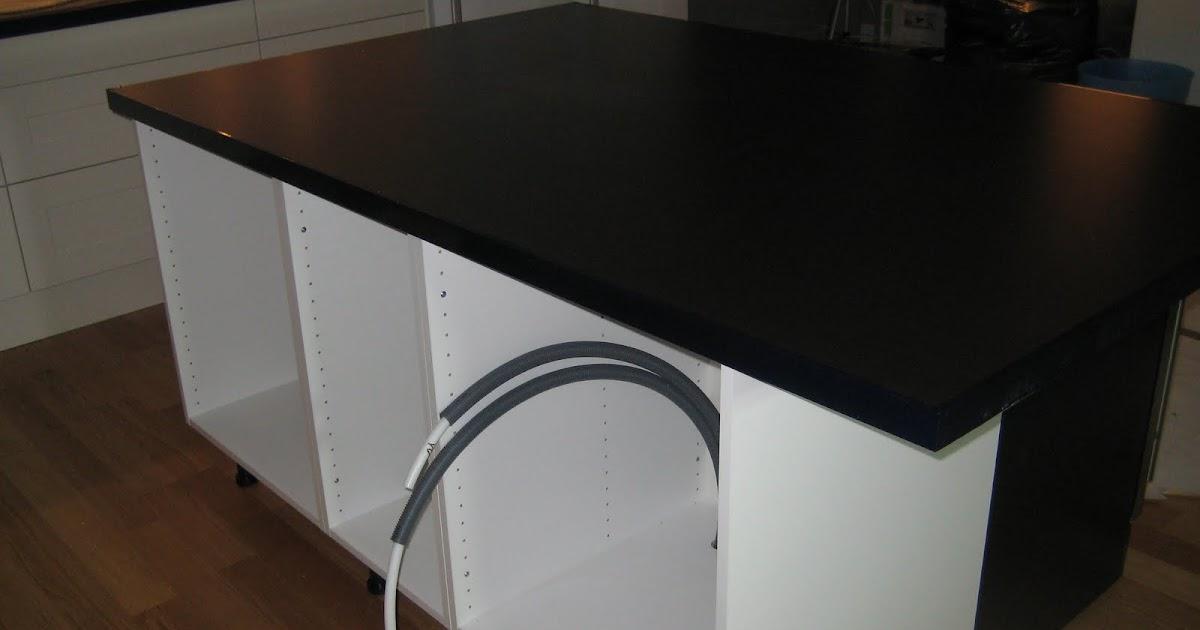 Rust av kök: Dag 61 (tisdag) - Bänkskiva till köksö på plats