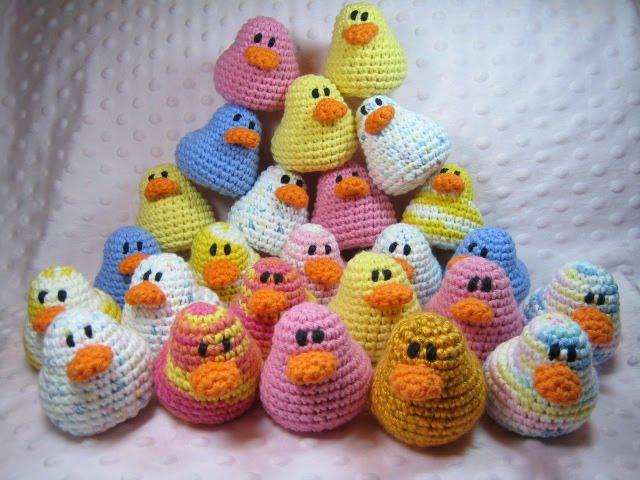 Free Pattern Crochet Duck : Susie Farmgirl: Amigurumi Ducks - Free crochet pattern