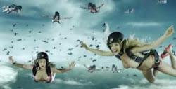 No dejes de verlo el Mejor Video Comercial de todos los tiempos -  Just Over The Border