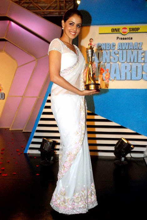 genelia spicy in white saree at cnbc awards photo gallery