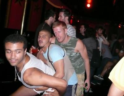 matthew morrison gay. matthew morrison gay kiss.