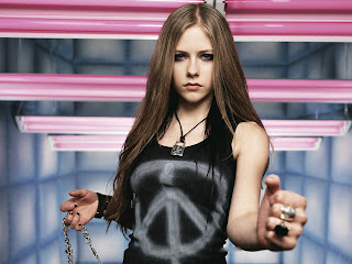 Hot Avril Lavigne  Mediafire Picture Wallpapers{ilovemediafire.blogspot.com}