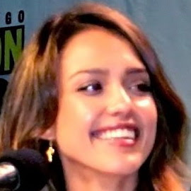 Jessica Alba And Her Lovely Expression And Smile
