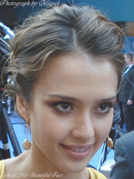 Look Back At Jessica Alba Beautiful Face At The Fantastic Four Rise Of    Hungarian Facial Features