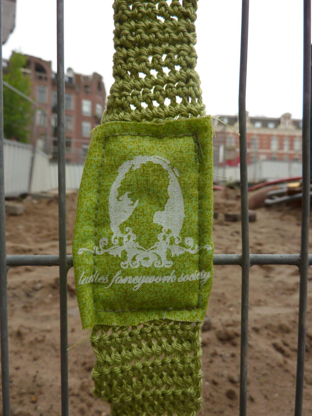 This Girl Lel: guerilla knitting