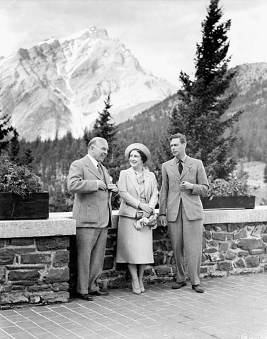 Mackenzie King Doctored Photo King George VI 1939 Original