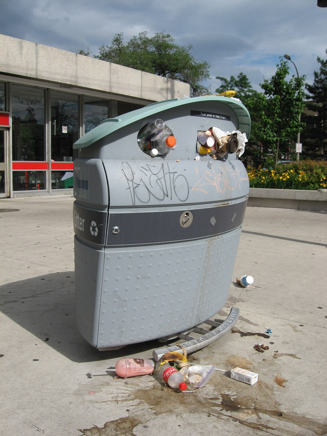 Garbage Strike Toronto Royal York Station