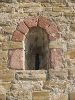 Detall de Sant Jaume de Viladrover o dels Bastons