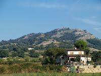 El Castell de Torelló des del poble