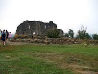 Restes de l'església de Sant Pere de Roda