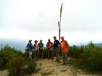 A la punta dels Cingles de Bertí sota el Puig Ciró