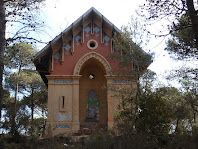 Caseta de l'Àngel de l'esquerra en el camí de Sant Pere del Bosc