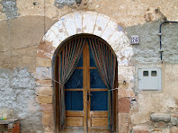 Porta adovellada de Can Serra