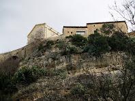 L'església de Santa Maria vista des del congost de les Valls