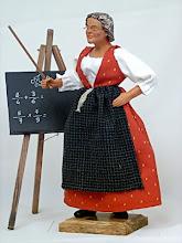 Mlle Précaire s'occupe de nos anciens.