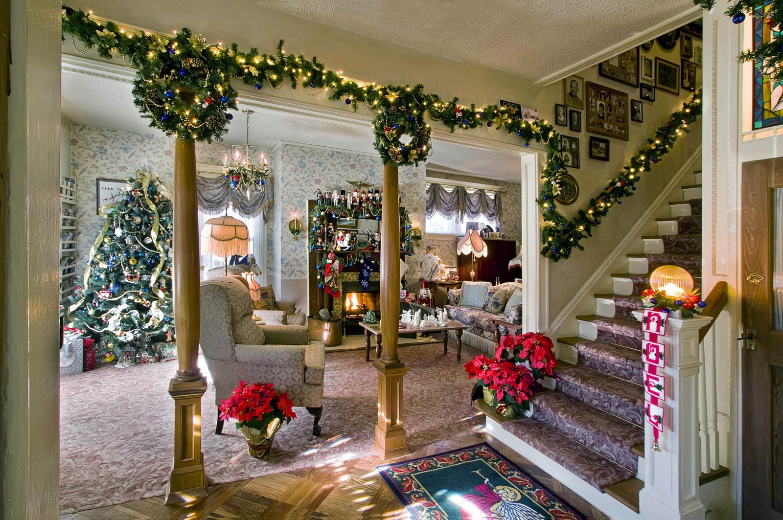 holiday gift certificate discount offer for that special someone at holden house 1902 bed breakfast in colorado springs