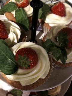 Strawberry and cream cupcakes, Love Bakery
