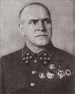 http://3.bp.blogspot.com/__dCb5tmxOb0/S6QvPJ7UJqI/AAAAAAAAB2o/WaVKLIZG7eU/s320/250px-Georgi_Zhukov_in_1940.jpg