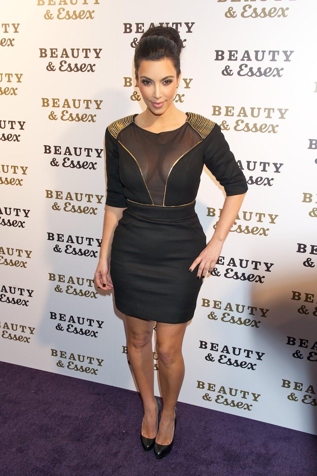 http://3.bp.blogspot.com/__dSMljhXGag/TQQSrG6EaWI/AAAAAAAAGGk/qduGQS3rS_E/s1600/Kim-Kardashian-162.jpg