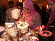 Isteri Timbalan Perdana Menteri di booth Chococlassic