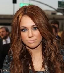 Miley Cyrus organiza subasta en ayuda de Haití